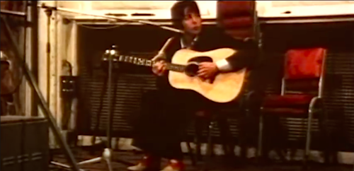 "Watch Preciously Rare Footage of Paul McCartney Recording ""Blackbird"" at Abbey Road Studios (1968)"