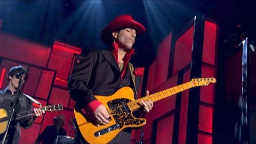 """Watch a New Director's Cut of Prince's Blistering """"While My Guitar Gently Weeps"""" Guitar Solo (2004)"""