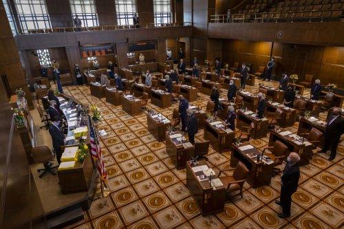 Oregon Senate to vote on plan to scale back controversial business tax break