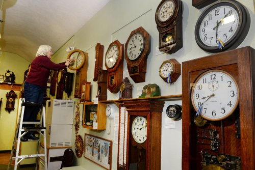 Daylight saving time isn't permanent in Oregon yet, so when does the time change?