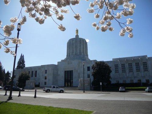Oregon Senate passes bill to reinstate foreclosure moratorium until at least June 30