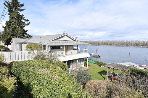 On the market: Portland's riverfront homes can be an affordable luxury