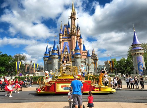 Disney World pays staff to get COVID-19 vaccine, as other Orlando companies successfully promote shots