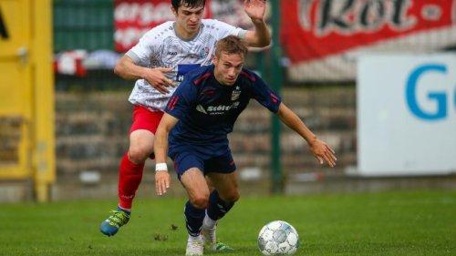 FC Rot-Weiß Erfurt verspielt bei Halle 96 siebenten Saisonsieg