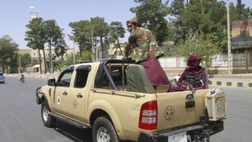 Kämpfe zwischen Taliban und Bewaffneten: Mindestens 16 Tote