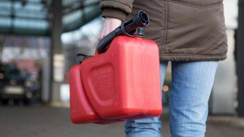 Tanken: Benzin und Diesel immer teurer - Wie viel darf man zu Hause lagern?