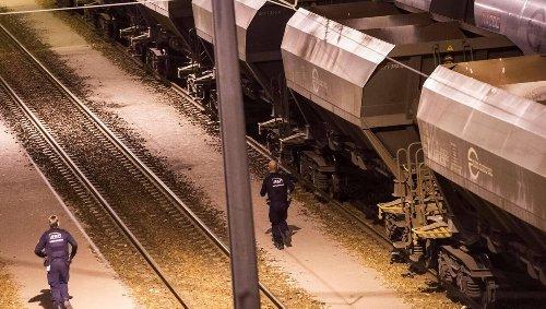 Confrontée à une dette colossale, la SNCF vend ses wagons de fret