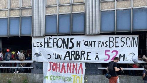 Nantes. Les manifestants du carnaval ont occupé symboliquement le hall du bâtiment Cap 44