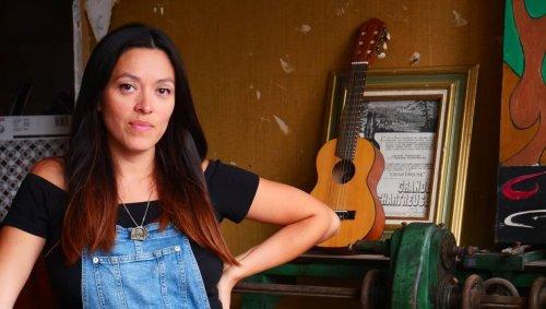 Dans un album jeunesse intitulé Le loup, la chanteuse Mai Lan aborde le thème de l'inceste