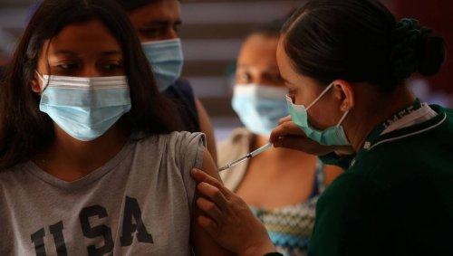 Un comité américain se penche sur des problèmes cardiaques chez des jeunes vaccinés contre le Covid-19
