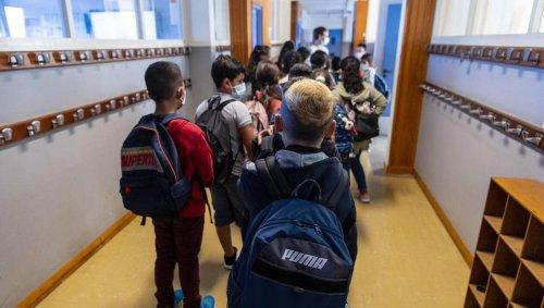 DIRECT. Covid-19 : vers une fin du masque obligatoire à l'école, mais le passe sanitaire maintenu