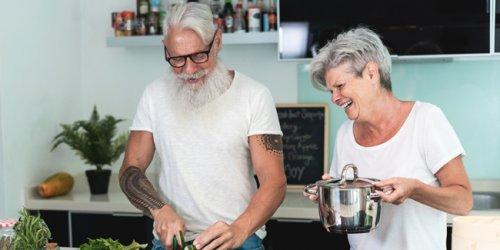 Le tatouage chez les seniors : effet de mode ? Quelles précautions ?