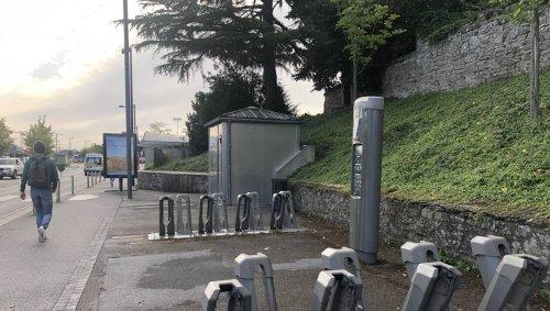 Vannes. Les vélos électriques en libre-service suspendus