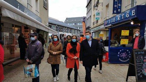 REPORTAGE. Élections régionales en Normandie : la campagne au pas de charge de Mélanie Boulanger