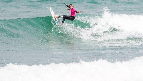 Surf. Pro Juniors à la Torche : les derniers Bretons éliminés, les quarts de finale féminins connus
