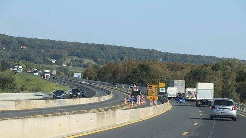 L'autoroute A13 coupée dans les deux sens entre Paris et Saint-Cloud après un vol de câbles