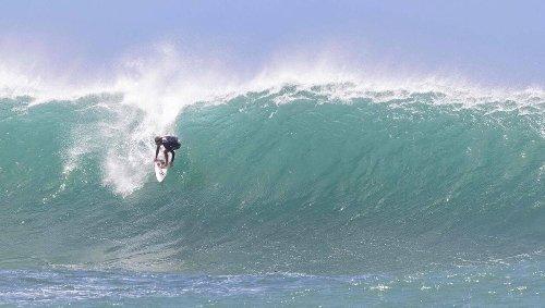 Surf. John John Florence espère être remis de sa blessure au genou pour les JO de Tokyo