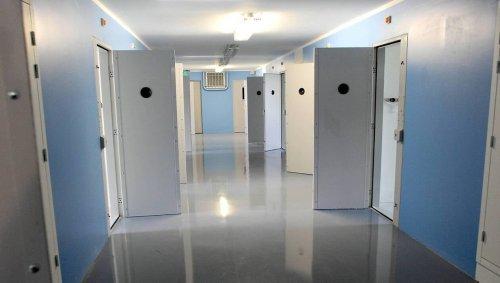 Rennes. « Victime d'un traquenard », la surveillante avait été attirée dans sa cellule par un détenu