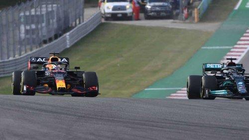 VIDÉO. Formule 1 : noms d'oiseaux et doigt d'honneur, ça chauffe encore entre Verstappen et Hamilton