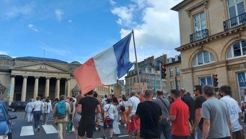 À Caen, les opposants au passe sanitaire retournent dans la rue