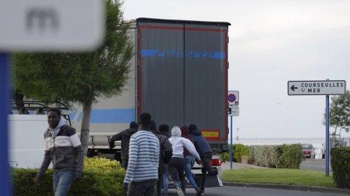 Maine-et-Loire. Cinq migrants s'échappent d'un camion stationné près de Segré