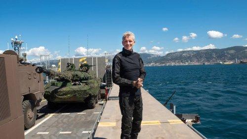 VIDÉO. « Un truc de dingue » : Denis Brogniart hélitreuillé par l'armée pour le 14-Juillet