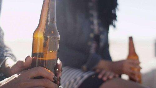 Verres brisés, nuisances sonores...à Avranches, l'alcool désormais interdit sur la voie publique