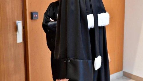 Justice. Elle prend le train pour Caen sans payer à plusieurs reprises et doit rembourser