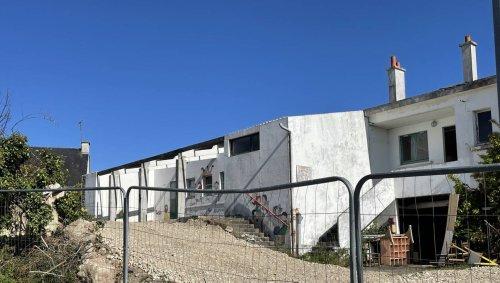 Plœmeur. Des maisons à la place de l'ancienne école Notre-Dame-de-la-Garde