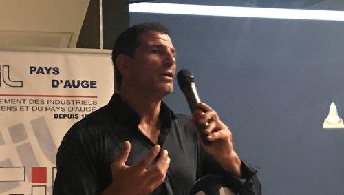 Marc Lièvremont présent auprès des chefs d'entreprise, à Lisieux