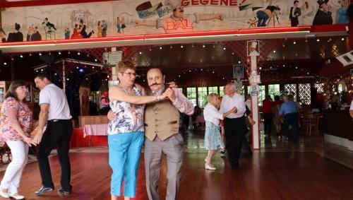 REPORTAGE. Chez Gégène, on danse le bal musette depuis 103 ans