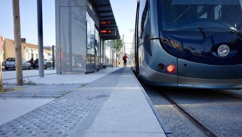 Il s'accroche à un tramway et chute violemment: un adolescent hospitalisé en urgence absolue à Lyon