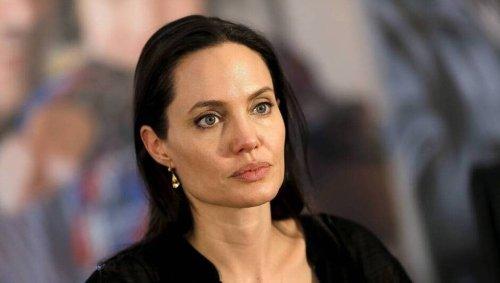 Quand Angelina Jolie s'arrête en gare de Strasbourg à bord d'un train de luxe avant de filer en Italie