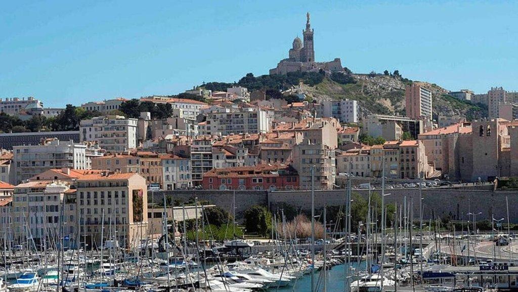 Provence-Alpes-Côte d'Azur - cover