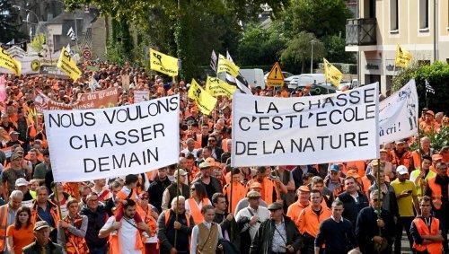 De Mont-de-Marsan à Amiens, une marée orange pour défendre la chasse et la ruralité
