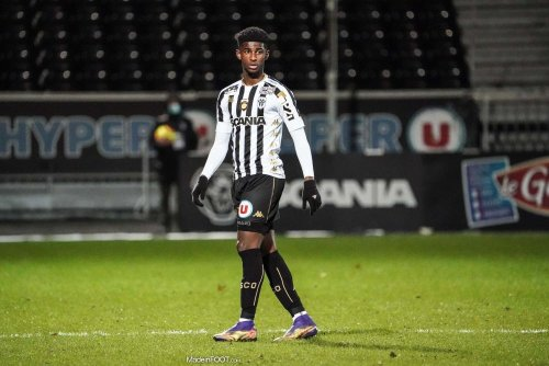 Angers s'impose largement contre Troyes