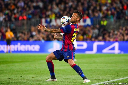 Barcelone recale Dani Alves