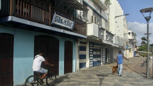 REPORTAGE. Reconfinement en Martinique : des commerçants désemparés et des jeunes révoltés