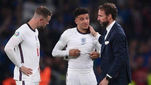 Injures racistes en ligne après la défaite anglaise à l'Euro : 11 arrestations au Royaume-Uni
