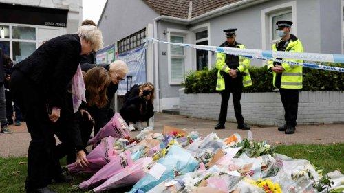 Député britannique poignardé à mort. Ce que l'on sait au lendemain de l'attaque
