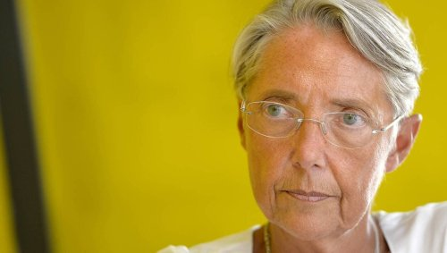« L'employeur devra contrôler le passe sanitaire de ses salariés », prévient Élisabeth Borne