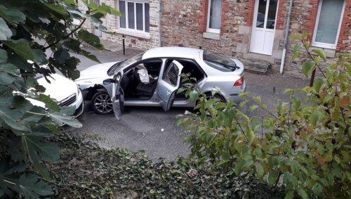 Morbihan. Les occupants d'une voiture s'enfuient après un accident à Saint-Marcel