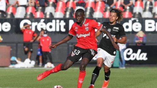 EA Guingamp. Contre le Paris FC, parole à la défense