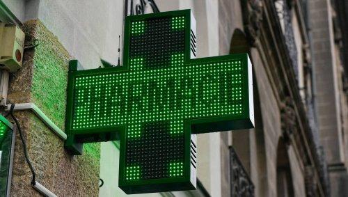 Nantes. Il fracasse la vitre d'une pharmacie et vole des médicaments