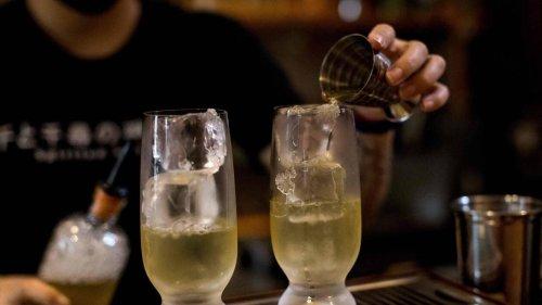 Dans les bars de Bangkok, les feuilles de kratom ont pris la place de l'alcool dans les cocktails