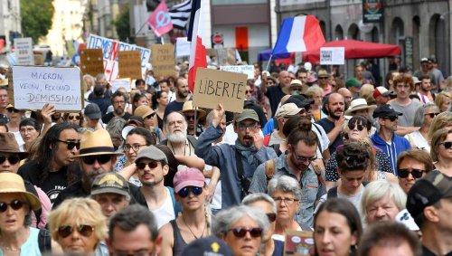Manifestations contre le passe sanitaire : 180 rassemblements prévus en France samedi
