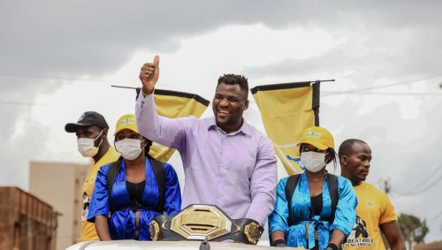 EN IMAGES. L'accueil XXL des Camerounais au « Predator » Francis Ngannou, champion du monde de MMA