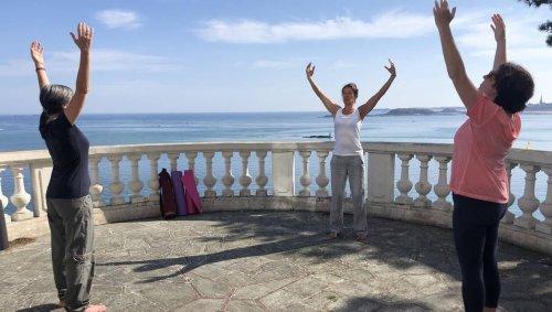 Dinard. Des séances yoga entre terre et mer