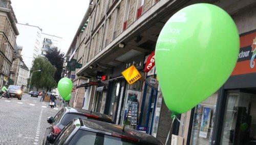Lorient. Pourquoi tant de ballons verts accrochés aux voitures ?