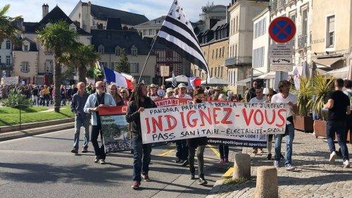 VIDÉO. À Vannes, une 14e manifestation anti-passe sanitaire difficile à suivre